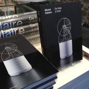 le livre Dallaire. De l'idée à l'objet, publié aux Éditions du passage, relatant la vie et la carrière prolifique de ce designer industriel ayant marqué le 20e siècle est en vente à la Boutique. 49,95$