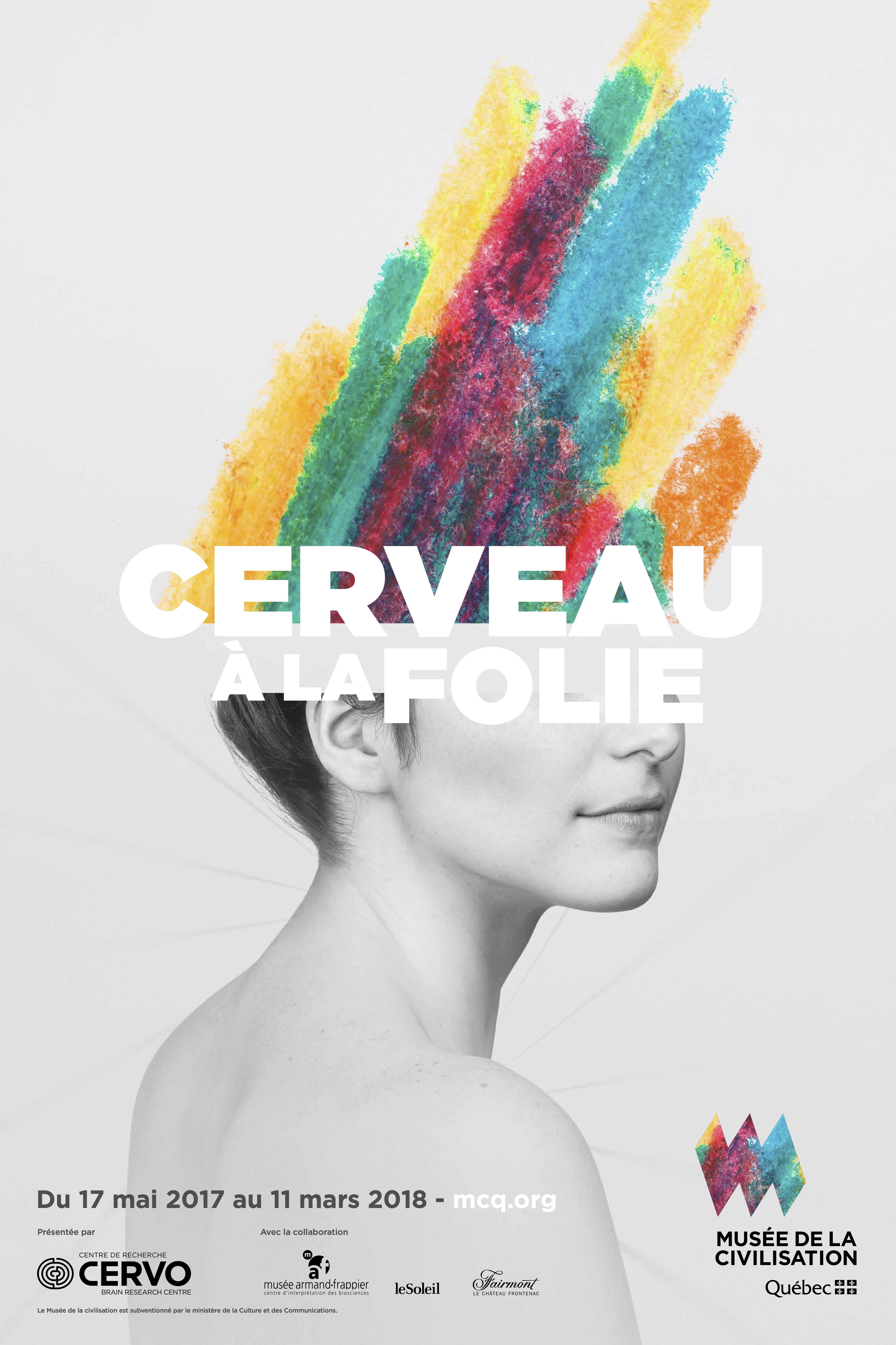 La tête d'une femme s'ouvre et se projette dans l'espace en un jet de couleurs